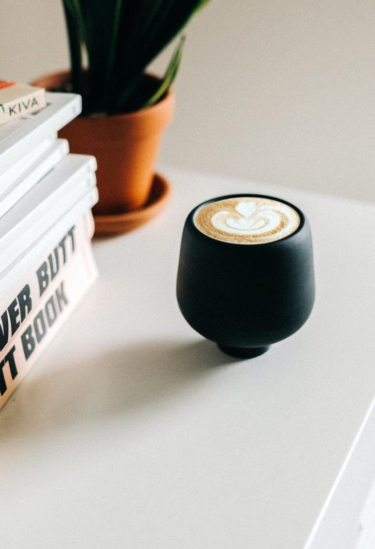 Z jakich składników składa się cappuccino z dodatkiem oleju mct?