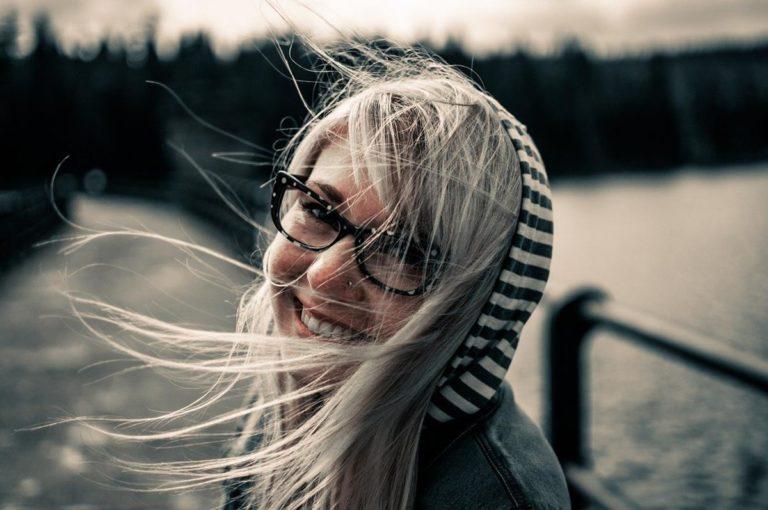 Właściwa pielęgnacja włosów dla zdrowych, łatwych do układania włosów